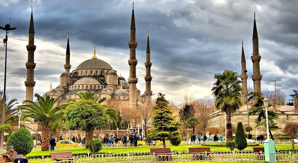 1180x649-moslem-tour-turkey-hdr-sultan-ahmet-1024x563